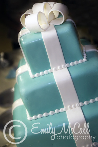 Wedding cake in Tiffany blue